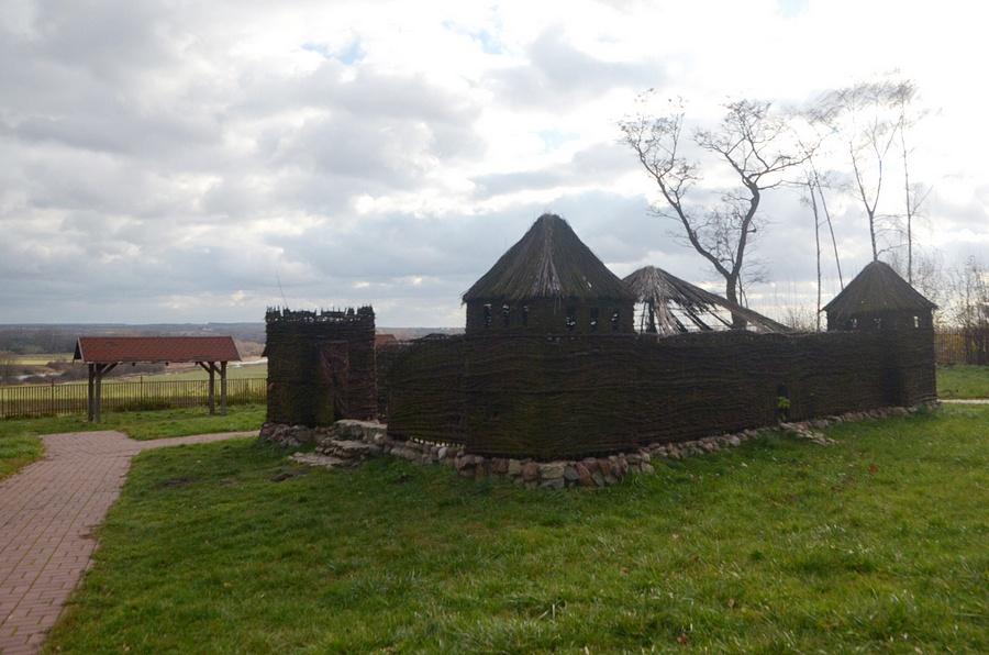 wiklinowa replika soleckiego zamku