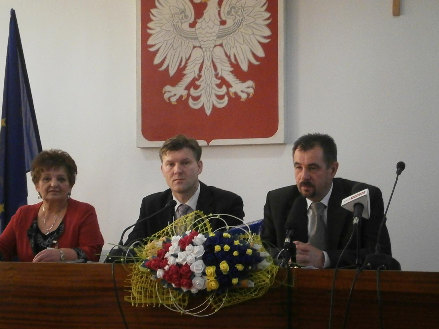 Od lewej: Jadwiga Rojek, Waldemar Trelka, Mirosław Ślifirczyk