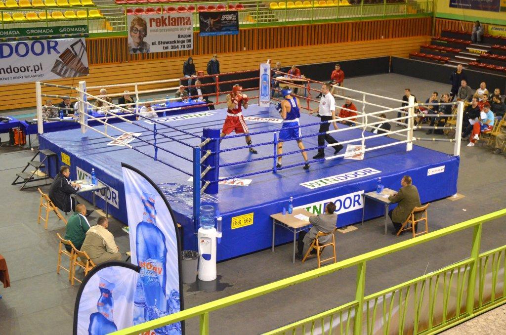 Młodzieżowe Mistrzostwa Polski w boksie Radom 2012 fot. Michał Sołśnia