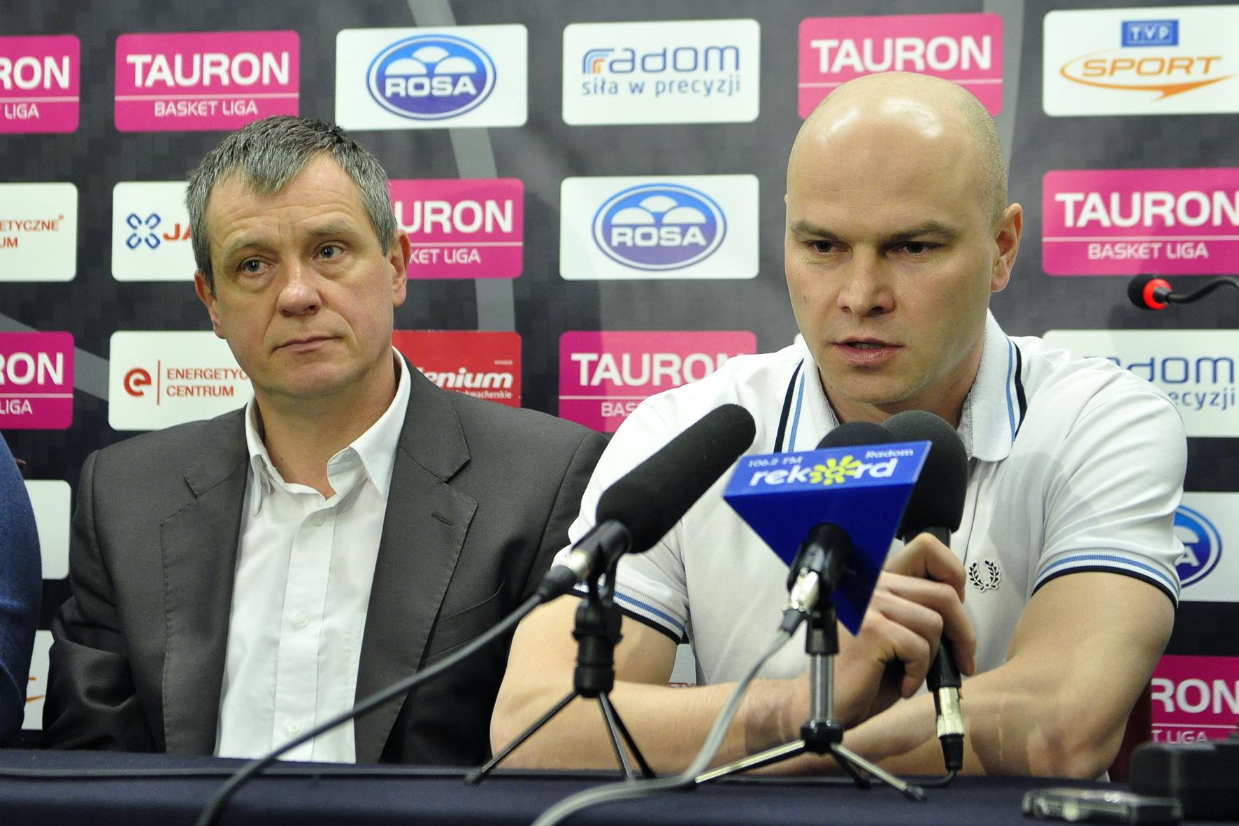 Robert Bartkiewicz (z lewej) i trener Wojciech Kamiński (z prawej) fot. S W
